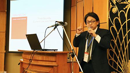 Image of Johnny Chiu speaking